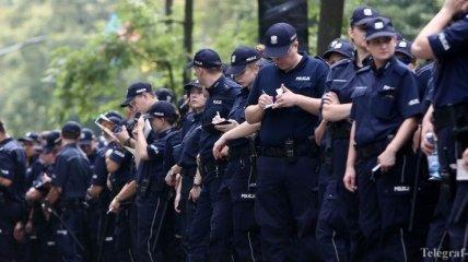 Силовиков со всей Польши стягивают в Варшаву