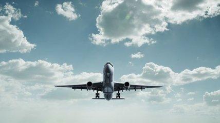 Летевший из Киева в Египет самолет совершил экстренную посадку в Одессе