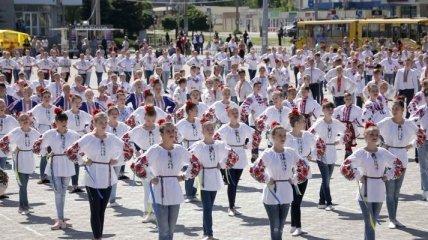 Порошенко поздравил 3 города Луганщины с годовщиной освобождения