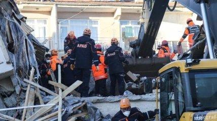 В Турции сообщили о новых жертвах землетрясения (Фото)