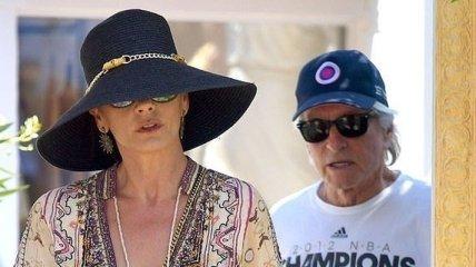 Кэтрин Зета-Джонс и Майкл Дуглас на отдыхе в Сен-Тропе: фото