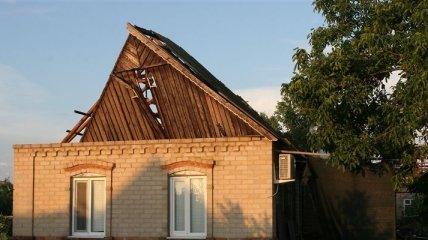 Сильный ветер нанес значительный вред крышам домов