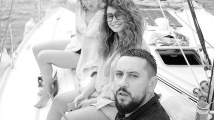 Монатик с супругой Ириной устроил сказочную прогулку на яхте в Одессе (Фото)