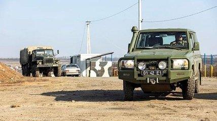 У Зеленского показали, как депутаты наблюдали за разведением войск в Золотом (Видео)