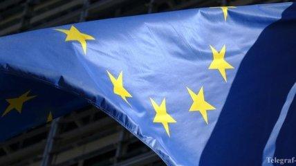В ЕС работают над санкциями против РФ и готовы изучить закон о военном положении