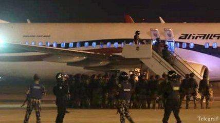 Захват самолета в Бангладеш: у захватчика был игрушечный пистолет