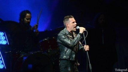 Брэндон Флауэрс возглавил чарт альбомов Великобритании