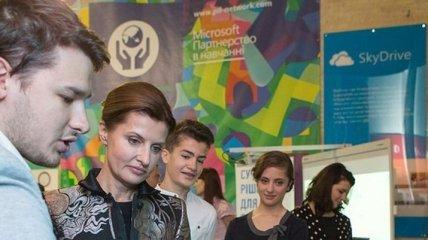 """Первая леди вместе с детьми открыла фестиваль """"Арсенал идей"""""""