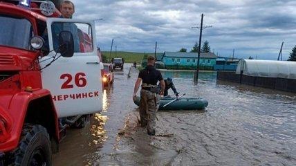 В России рухнул железнодорожный мост: прервалась одна из ключевых транспортных артерий страны (фото)