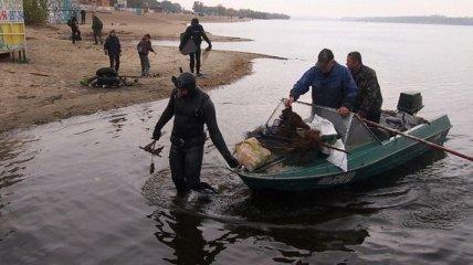 Дайверы Запорожья своими силами очистили дно Днепра