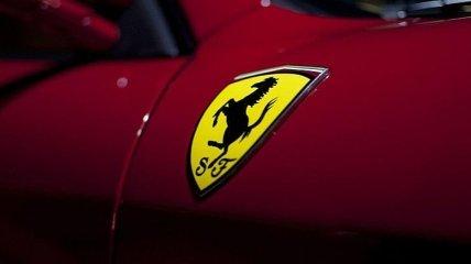 В сеть попали снимки самого невероятного суперкара Ferrari в истории