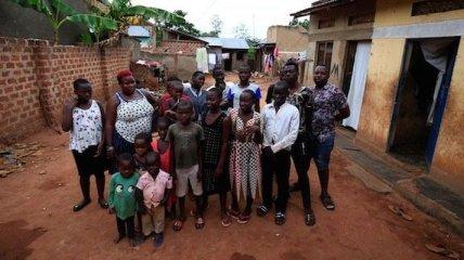 В Уганде 39-летняя женщина родила 44 ребенка