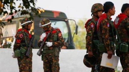 Военные расстреляли более 100 человек за день, среди жертв есть дети: что происходит в Мьянме (видео)