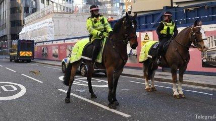 В Британии инцидент на мосту назвали терактом (Фото, Видео)