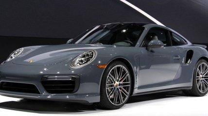 В Киеве замечен премиальный спорткар Porsche за почти $400 тысяч (Фото)