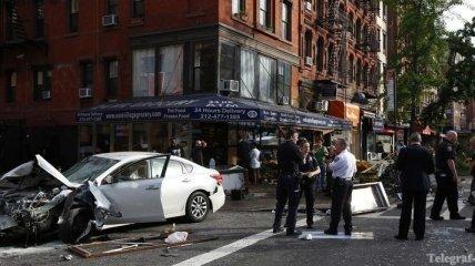Автомобиль протаранил здание магазина в Нью-Йорке, 8 человек ранены