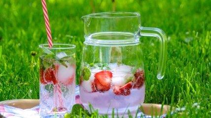 Вода не только в бутылке: диетолог перечислил овощи и фрукты, которые помогут в жару