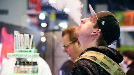 В США массово заболели любители электронных сигарет