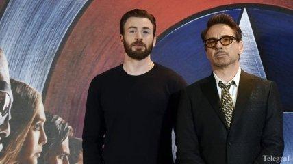 """Спор века: голливудские """"супергерои"""" соревнуются за самые худшие усы"""