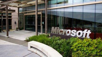 Microsoft патентует дисплей с защитой от подглядывания. Фото