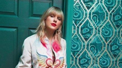 Американская певица возглавила хит-парад Billboard (Видео)