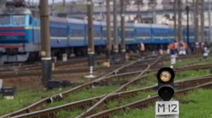 """""""Укрзализныця"""" назначает дополнительные поезда для беженцев"""