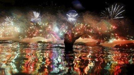 Как выглядел пляж Копакабана в новогоднюю ночь (Фото)