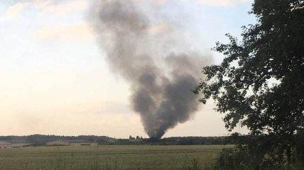 В небо поднялся черный дым: в России потерпел крушение военный вертолет (фото, видео)