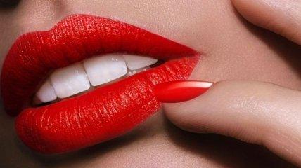 Несколько простых правил для безупречного макияжа губ (Видео)