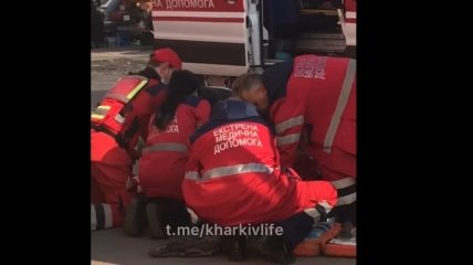 Вслед за одной трагедией новое ЧП: у харьковчанина посреди улицы остановилось сердце (видео)