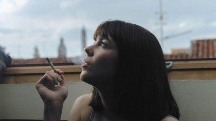 Восстанавливаются в два раза быстрее: как курение влияет на женщин