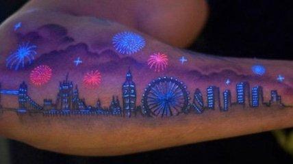 Потрясающие татуировки, которые светятся в ультрафиолете (Фото)