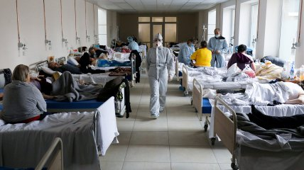 Почти 15 тыс. заболевших в день - такова статистика в Украине этой осенью