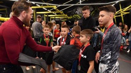 Макгрегор посетил киевский турнир по MMA среди детей