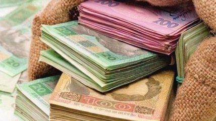 Гривня зміцнює позиції до євро і злотого, але просіла відносно долара і рубля: курс валют на 29 квітня
