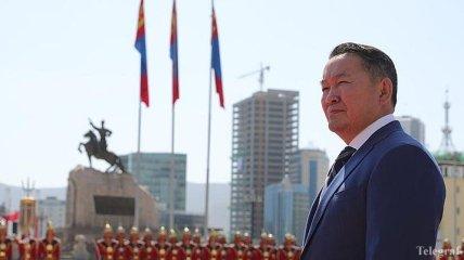 Эпидемия коронавируса: президент Монголии помещен на карантин