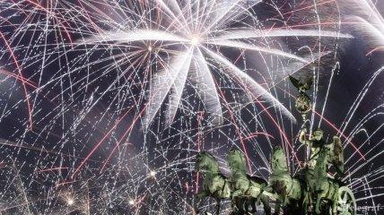 Жители планеты отметили Новый год (Фото)
