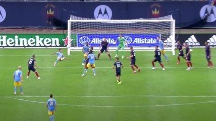 17-летний футболист забил свой дебютный гол ударом через себя (видео)