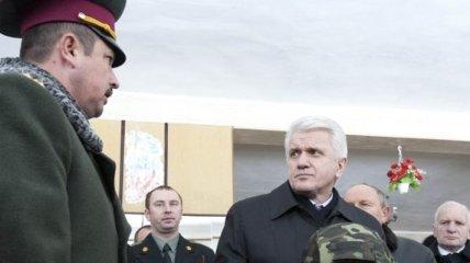 Литвин: В Украине есть все для высокопрофессиональной армии