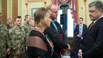 Президент присвоил звание Героя Украины еще двум военным