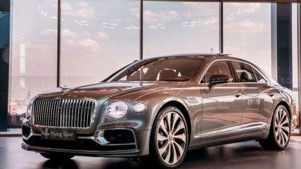 Bentley Flying Spur 2020: компания начала поставки нового седана класса люкс