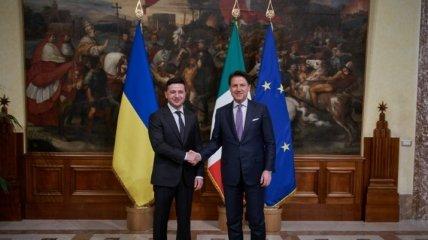 Коронавирус, возвращение украинцев и состояние Маркива: Зеленский поговорил с премьером Италии