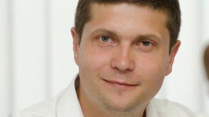 Ризаненко: Оппозиция не должна бегать к Януковичу на задних
