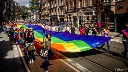 В Амстердаме мужчин оштрафовали за листовки против гомосексуализма