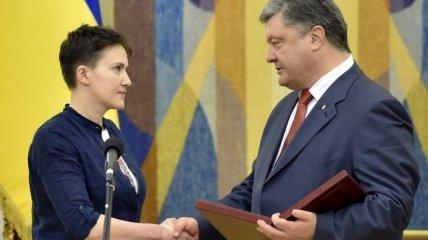 Порошенко присвоил Савченко звание Герой Украины