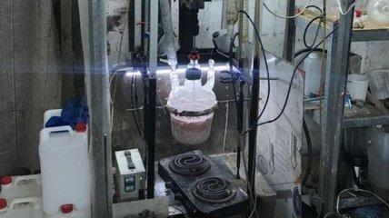 Экс-полицейские в Обухове обустроили мощную нарколабораторию (Фото)
