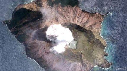 Извержение вулкана в Новой Зеландии: 19 погибших, двоих до сих ищут