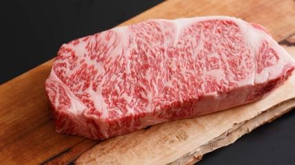 Мармурову яловичину вагю дають чотири породи японських корів.