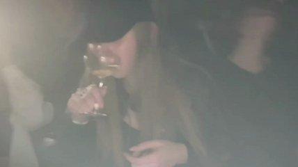 """""""Третья дочка"""" Путина засветилась на публике в окружении охраны (видео)"""