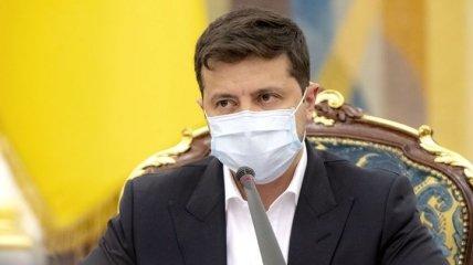 В статье для FT Зеленский написал о российских марионетках, которые стоят за скандальным решением КСУ